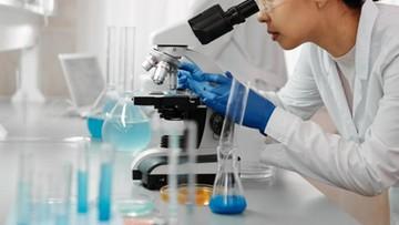 Japonia: naukowcy opracowali technologię wykrywania 100 różnych mutacji koronawirusa