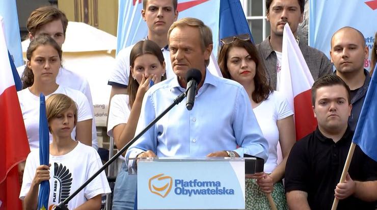 """Donald Tusk o """"ruskim ładzie"""". """"Trzeba bić na alarm"""""""